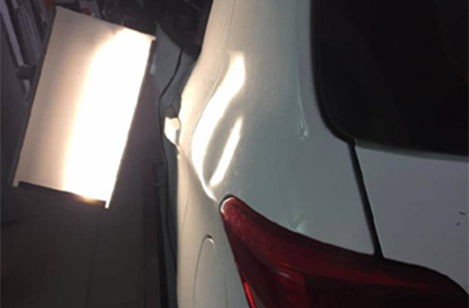 Toyota Yaris, πίσω φτερό